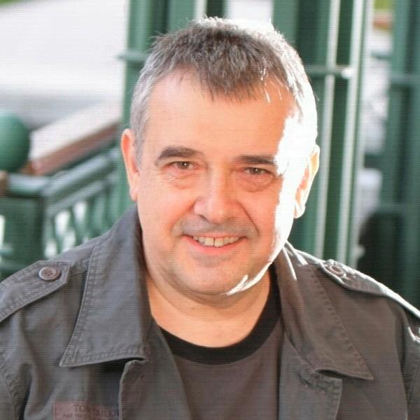 проф. д-р Любомир Стойков